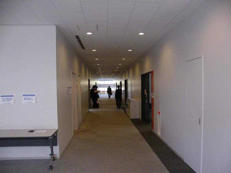 研究大会・会場(W9号館4階)
