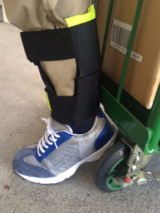 アキレス腱およびすね部用保護カバー